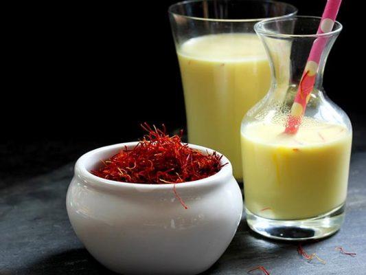 Mặt nạ Saffron - Sữa tươi