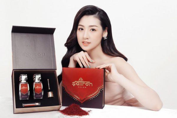 Á hậu Tú Anh dùng saffron làm đẹp da