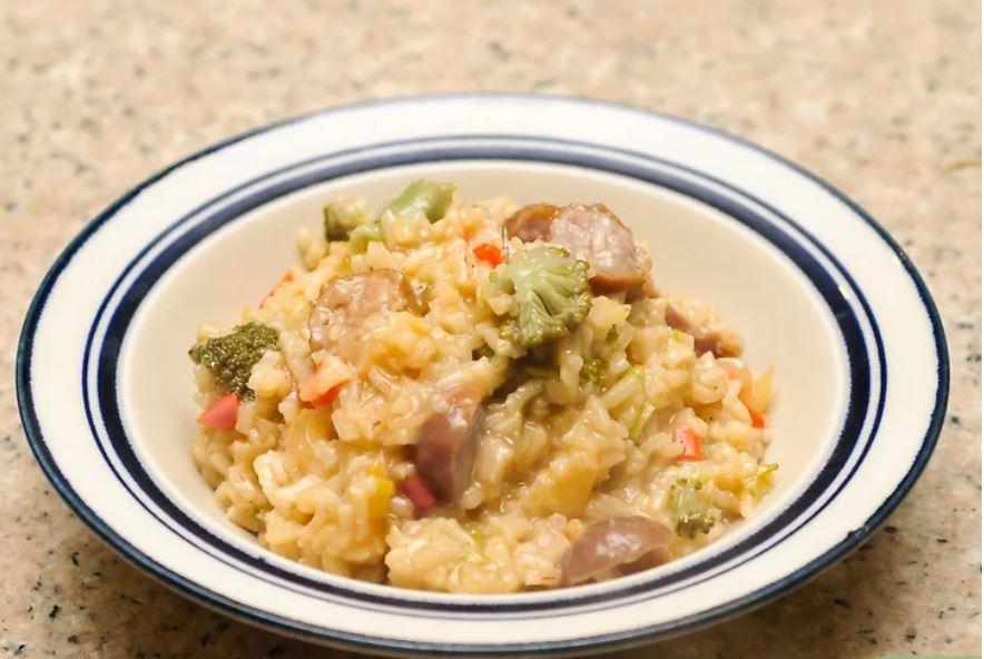 Làm cơm risotto a-ti-sô. Nếu thích a-ti-sô thì bạn sẽ thấy món cơm risotto đậm hương vị a-tisô này là tuyệt hảo.