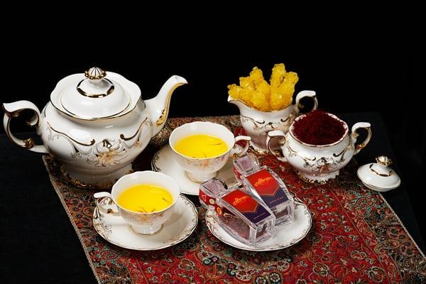 Thưởng thức trà saffron - Saffron Salam thượng hạng